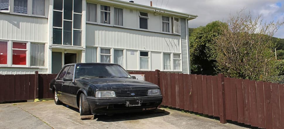 New Zealand's ageing vehicle fleet is contributing to households' rising carbon emissions. Photo: Lynn Grieveson.