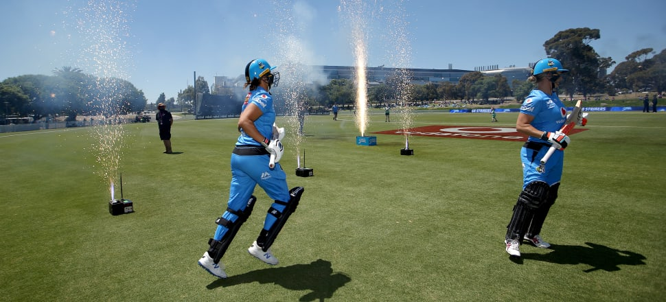 Adelaide Strikers' Kiwi opening duo Suzie Bates and Sophie Devine have been in sizzling form in the Women's Big Bash. Photo: Getty Images.