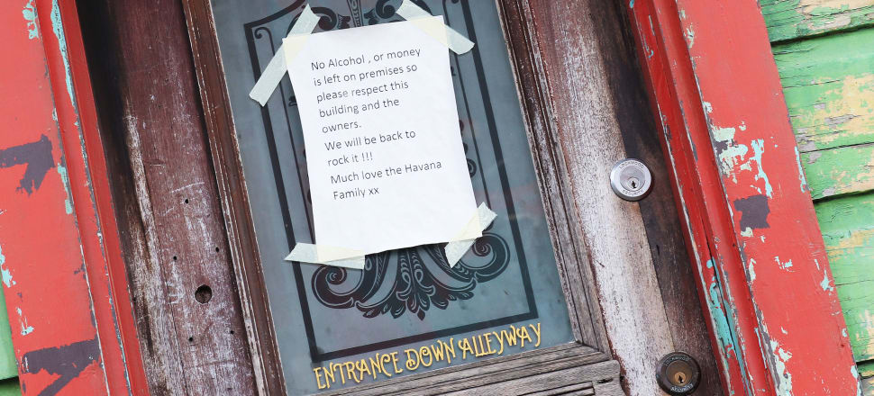 A notice on the door of a Wellington bar during the first lockdown. Photo: Lynn Grieveson