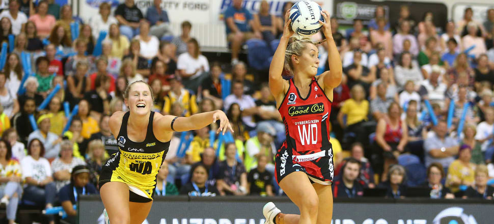 Tactix midcourter Charlotte Elley gets the better of Pulse's Maddy Gordon, in the ANZ Premiership opener in Blenheim - one of just two games played in front of a crowd. Photo: Getty Images.