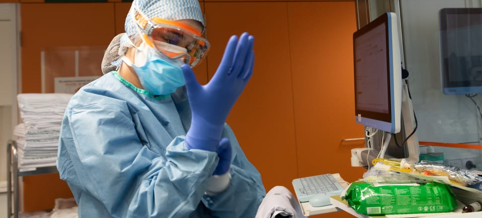 Government officials say stockpiles of personal protective equipment remain robust despite concerns among some in the health sector. File photo: Francisco Àvia_Hospital Clínic.